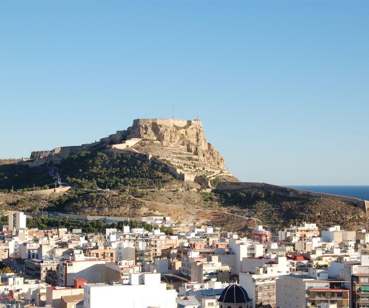 Castillo De Santa Barbara En Alicante
